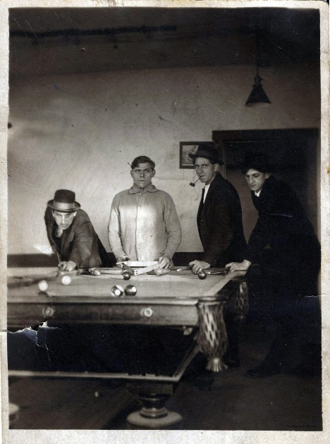 My great grandfather Frederick Nahodil on the right with his brother John and friends (ca. 1913)