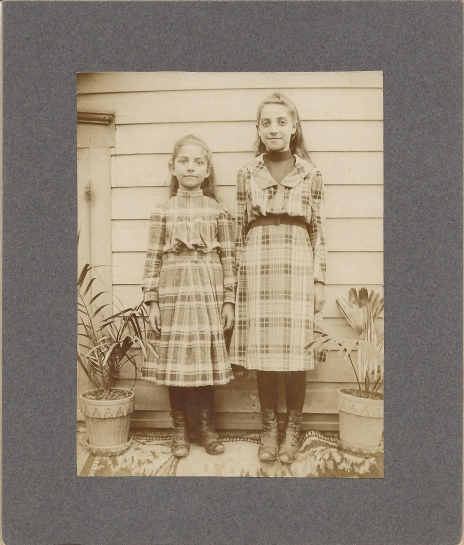 Mary and Ruth Yearts - 1901