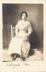 Ruth Yearts - c1912